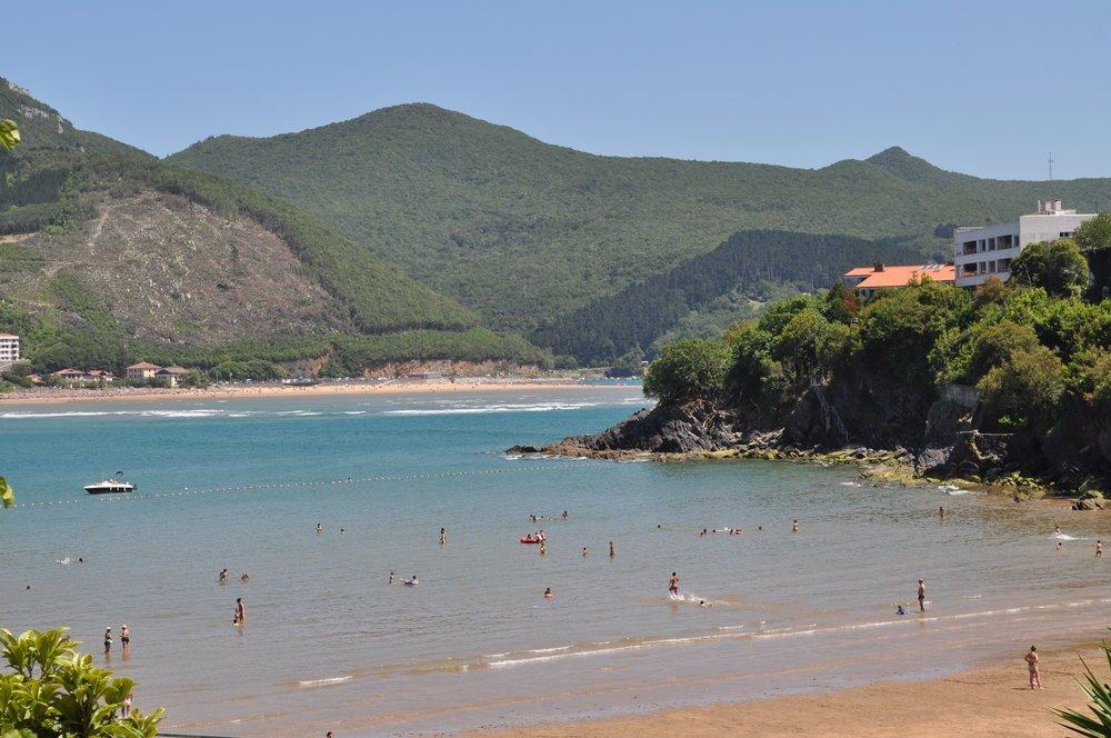La playa de Laida se distingue por la poca profundidad de sus aguas. Foto: Pamy Rojas
