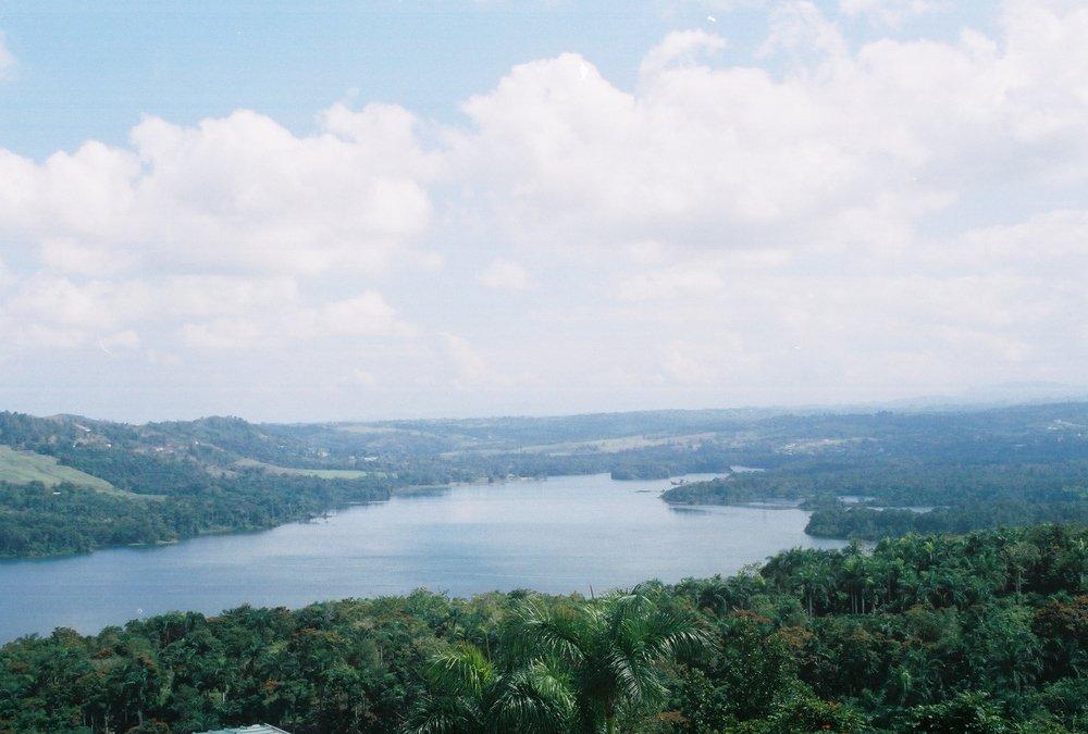 Hermosas vistas se contemplan desde la altura de los bosques. Foto: Pamy Rojas