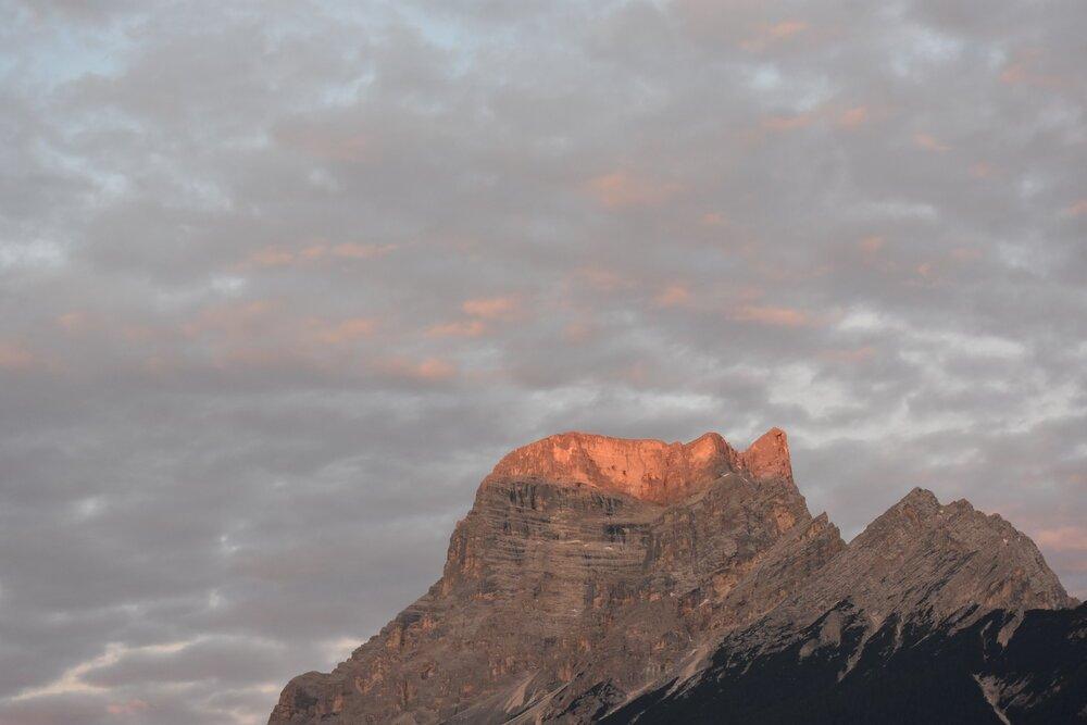 La montaña tenía el color del jugo que me acababa de tomar. FOTO: Pamy Rojas